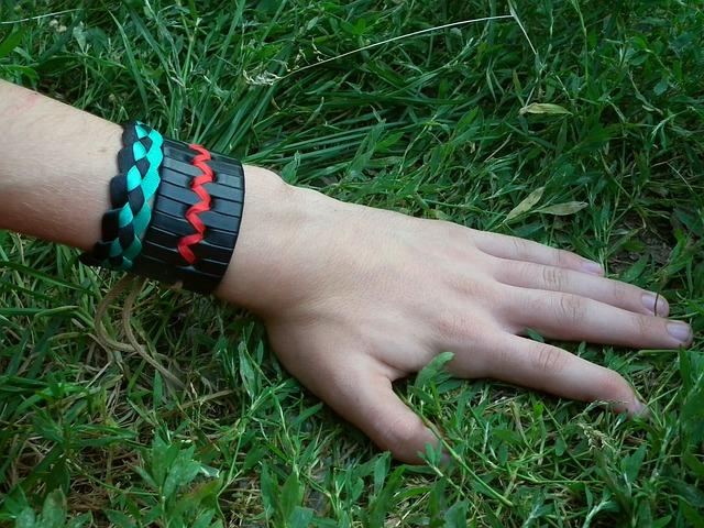 Identifikační pásky na ruku vám ulehčí organizaci koncertů a dalších akcí